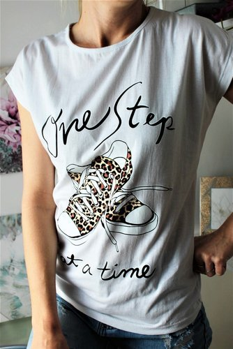 T-SHIRT ONE STEP